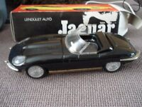 Tin plate jaguar large scale car