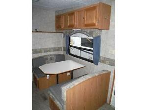 2007 Pilgrim 252RKS Rear kitchen 5th Wheel Trailer with slideout Stratford Kitchener Area image 7