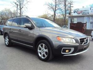 2011 Volvo XC70 T6 Level III cold/hot seats power gate tow pkg
