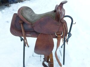 15 IN WESTERN SADDLE WITH SUEDE SEAT