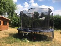 15ft Trampoline with net
