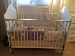 White stork  craft baby crib for sale
