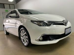2016 Toyota Corolla ZRE182R MY15 Ascent Sport White 6 Speed Manual Hatchback Phillip Woden Valley Preview