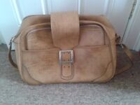 Retro Leather Look Travel Bag with Matching Zip Folder.