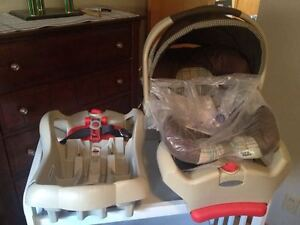 Graco Infant CarSeat w/2 bases