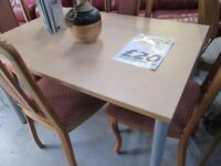 💥WOODEN DINING TABLE WITH METAL LEGS FOR ONLY £20💥CLEARANCE💥