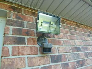 Motion Light  500 Watt Halogen.........REDUCED Windsor Region Ontario image 1