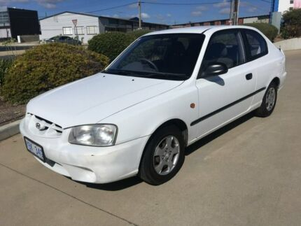 2000 Hyundai Accent LC GL White 5 Speed Manual Hatchback Fyshwick South Canberra Preview