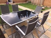 Garden glass table - 6 chairs - very good condition!