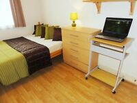 ♥Premium Level Room in Stratford Area with Free WiFi and Free Cleaner service. 7 mins walk to Train♥