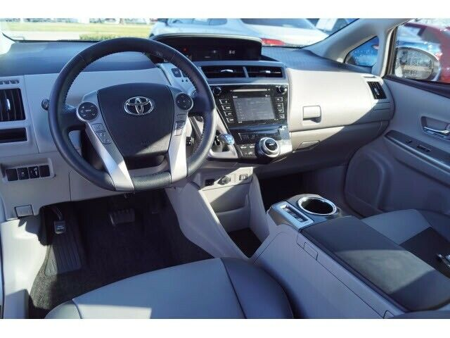 Image 9 Voiture American used Toyota Prius V 2016