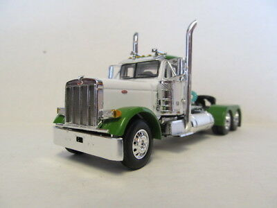 DCP 1/64 SCALE 379 PETERBILT (DAY CAB) WHITE,GREEN TOP &  FENDERS