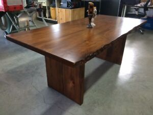 live edge dining table /table salle à diner
