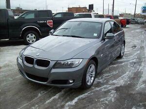 2011 BMW 328 XDRIVE/NAVI/AWD/LEATHER/ROOF/LOW PAYMENTS Edmonton Edmonton Area image 2