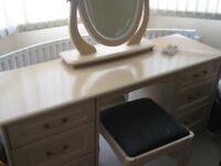 Dressing Table with Mirror, stool and 6 drawers in cream colour