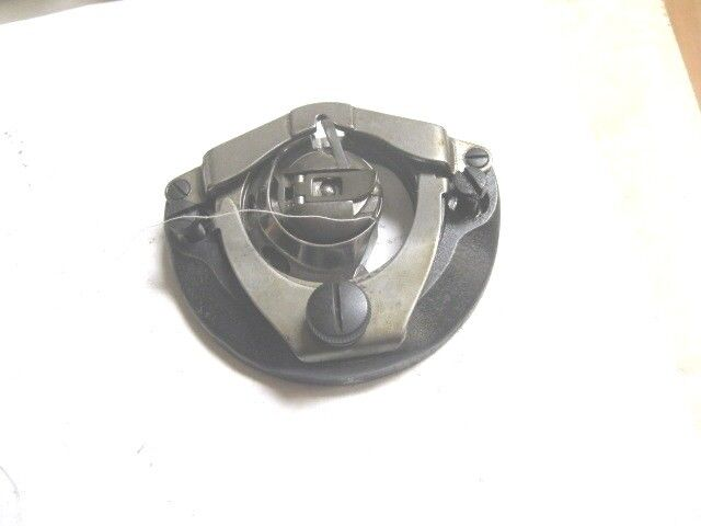 SINGER 15-91 SEWING MACHINE BOBBIN ASSEMBLY - COMPLETE