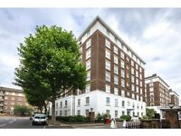 4 bedroom flat in Fitzjames Avenue, West Kensington, London, W14