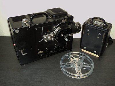 antiker Filmprojektor Zeiss-Ikon im Koffer