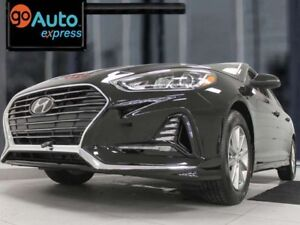 2018 Hyundai Sonata SE with heated seats and a back up cam. live