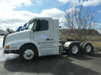 2000 Volvo VNL for sale