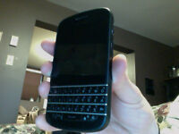 Blackberry Q10, Locked with Bell