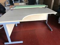 Immaculate 1600 x 1200 Cantilever Left Sided Wave Office Desk with Cable Ports