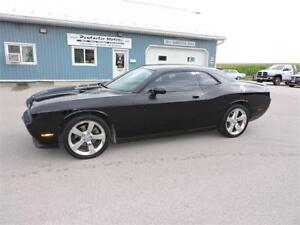 2009 Dodge Challenger R/T , NEW TIRES , FREE HEATED STORAGE