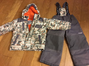 2 piece snow suite oshkosh size 5