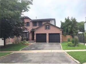 Beautiful 3 Bedroom House in Aurora