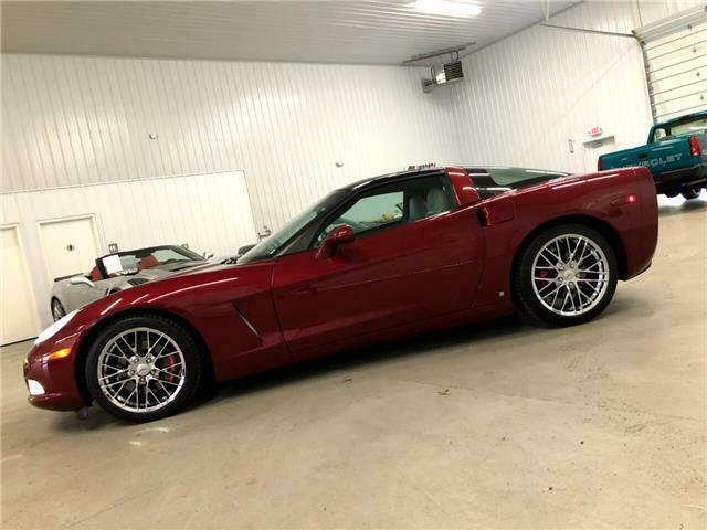 2006 Burgundy Chevrolet Corvette Coupe  | C6 Corvette Photo 4
