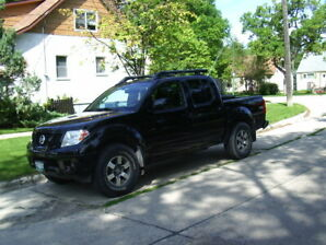 2012 Nissan Frontier Pro 4X Pickup Truck