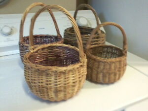 Group of 6 Vintage Baskets London Ontario image 1