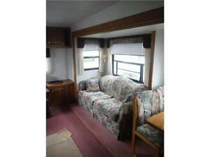 1999 Golden Falcon 28RLG 5th Wheel Trailer with Slideout Stratford Kitchener Area image 5