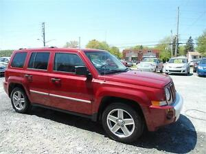 LOW MILEAGE ! 2008 JEEP PATRIOT - LIMITED EDITION !4X4 , LEATHER