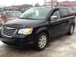FRESH TRADE IN 2008 CHRYSLER TOWN AND COUNTRY $5000 FIRM