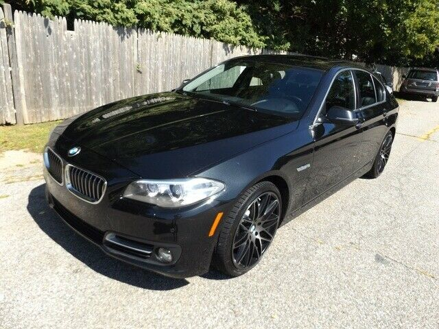 2015 BMW 5 Series 535i xDrive with 68477 Miles miles Black Sapphire Metallic 4dr