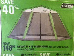 Easy up dinning tent