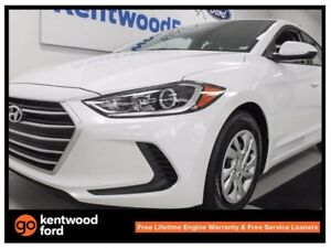 2017 Hyundai Elantra LE with heated seats and only 28KM!!!