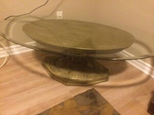 Round and Oval glass top coffee tables London Ontario image 1