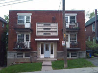 41/2 unit AVAILABLE IMMEDIATELY IN A 6 PLEX APARTMENT  VERY CLE