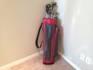 Golf bag and left hand Spalding Executive clubs for sale!