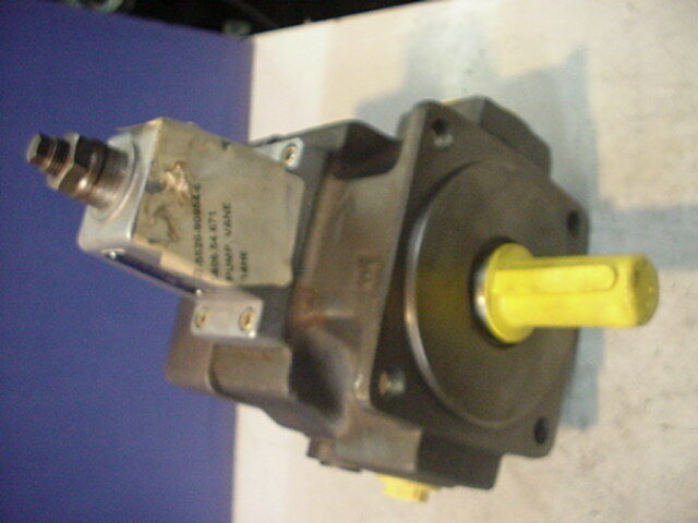 NEW Rexroth hydraulic vane pump 1PV2V3-32/40RA01MC63A1/40 00471186