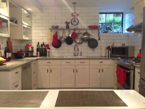 Funky and private 2 bed/2 bath unit near Cook St Village