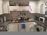 Large double bedroom with OWN BATHROOM, 2bed flat to share with second couple, HOUNSLOW CENTRAL ASDA