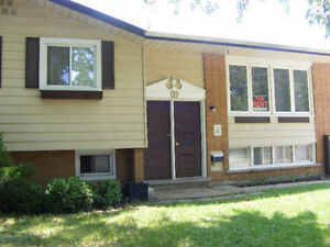 Rooms for short stay available in the house Near both UW & WLU