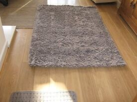 light brown thick rug 6x4 plus 8 small door mats good condition 7 pounds the lot