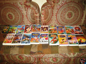 Lot of 19 French VHS Disney Movies