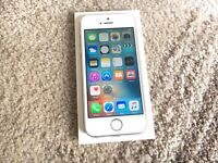 APPLE IPHONE 5S 16gb nearly new