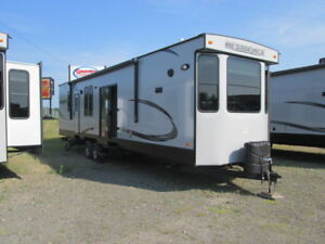 Fall leftover clear out special!! 2016 Residence 4041DN
