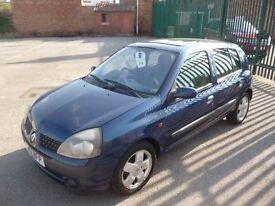 RENAULT CLIO PRIVILEGE (blue) 2001